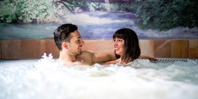 centro-benessere_idromassaggio_hotel-villa-rosella_canazei_val-di-fassa_dolomit_trentino-25