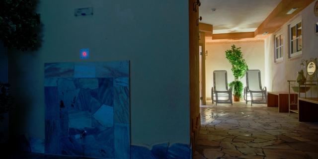 centro-benessere_lettini-relax_hotel-villa-rosella_canazei_val-di-fassa_dolomit_trentino-14
