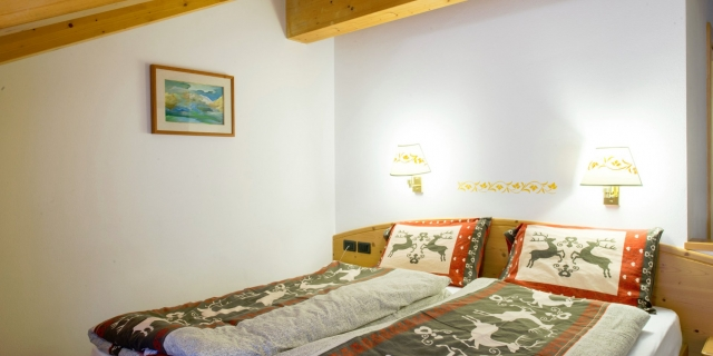 camera-matrimoniale-a-canazei_camere-a-canazei_hotel-villa-rosella_hotel-a-canazei_canazei_val-di-fassa_dolomiti_trentino-32
