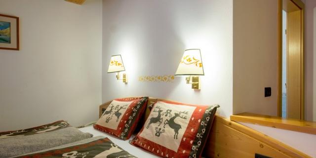 camera-matrimoniale-a-canazei_camere-a-canazei_hotel-villa-rosella_hotel-a-canazei_canazei_val-di-fassa_dolomiti_trentino-33