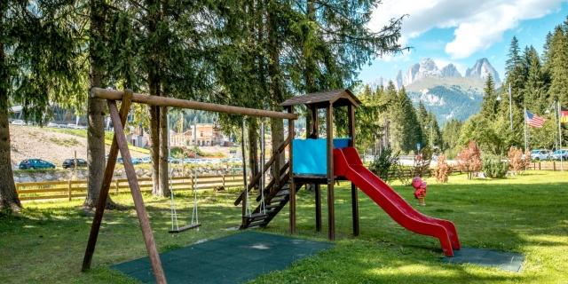 area-giochi_hotel-villa-rosella_canazei_val-di-fassa_dolomit_trentino-25