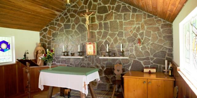 chiesa_hotel-villa-rosella_canazei_val-di-fassa_dolomit_trentino-6