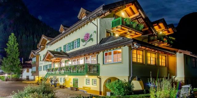 notturna_hotel-villa-rosella_canazei_val-di-fassa_dolomit_trentino-14