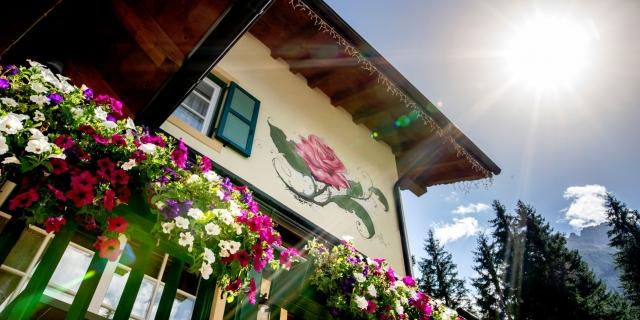terrazza-fiorita_hotel-villa-rosella_canazei_val-di-fassa_dolomit_trentino-20
