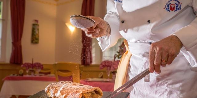 cucina_hotel-villa-rosella_canazei_val-di-fassa_dolomit_trentino-20