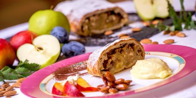 ristorante-a-canazei_piatti-e-gastronomia_hotel-a-canazei_hotel-villa-rosella_canazei_val-di-fassa_dolomit_trentino-37