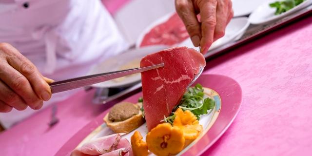ristorante-a-canazei_piatti-e-gastronomia_hotel-a-canazei_hotel-villa-rosella_canazei_val-di-fassa_dolomit_trentino-41