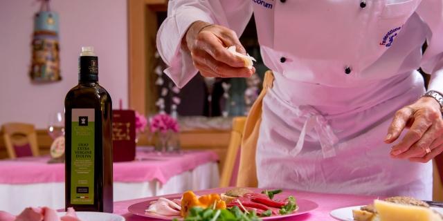 ristorante-a-canazei_piatti-e-gastronomia_hotel-a-canazei_hotel-villa-rosella_canazei_val-di-fassa_dolomit_trentino-43