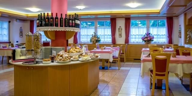 ristorante_hotel-villa-rosella_canazei_val-di-fassa_dolomit_trentino-16