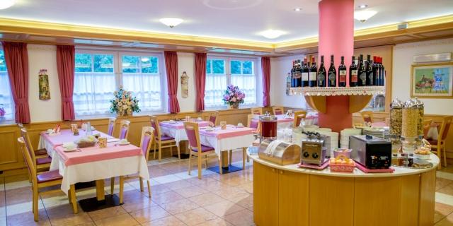 ristorante_hotel-villa-rosella_canazei_val-di-fassa_dolomit_trentino-17