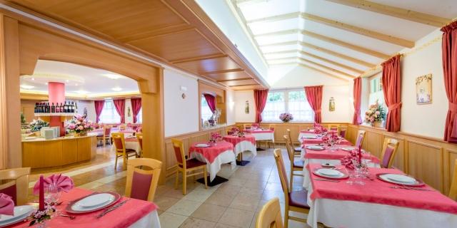 ristorante_hotel-villa-rosella_canazei_val-di-fassa_dolomit_trentino-21_0