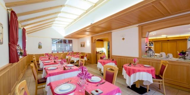 ristorante_hotel-villa-rosella_canazei_val-di-fassa_dolomit_trentino-23