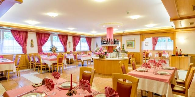 ristorante_hotel-villa-rosella_canazei_val-di-fassa_dolomit_trentino-35