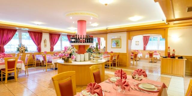 ristorante_hotel-villa-rosella_canazei_val-di-fassa_dolomit_trentino-36