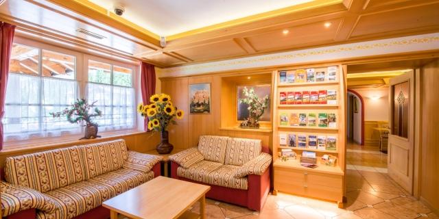 bar_hotel-villa-rosella_canazei_val-di-fassa_dolomit_trentino-12