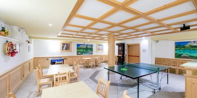 sala-giochi-e-riunioni_hotel-villa-rosella_canazei_val-di-fassa_dolomit_trentino-16
