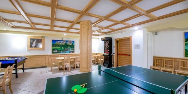 taverna_hotel-villa-rosella_canazei_val-di-fassa_dolomit_trentino-1